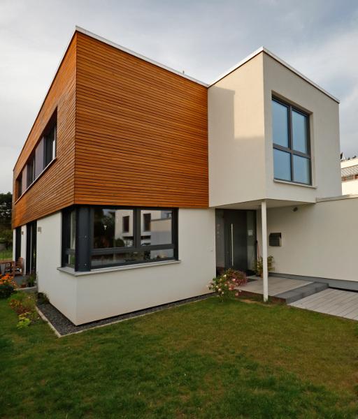 Einfamilienhaus aus holz sander haus hofgeismar for Moderne efh